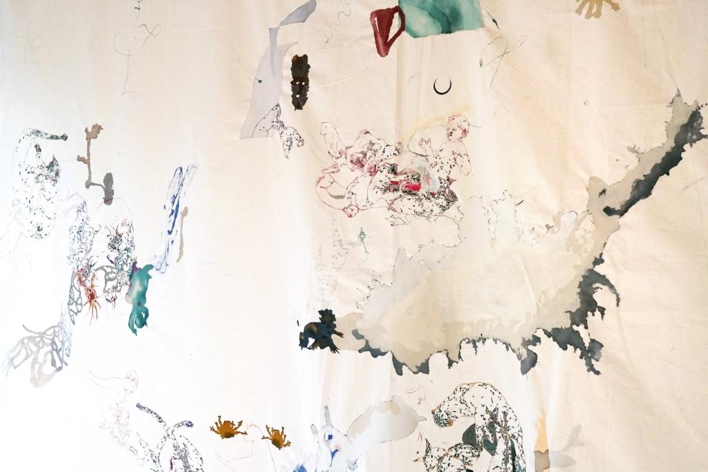 """SENZA PARLARE // Marta Spagnoli // """"Mi sembra di vivere una vacanza, non da intendere nel senso comune di viaggio o riposo, ma come il sentirsi, nell'etimo della parola stessa, vacanti, «esonerati». Sto lavorando in casa dipingendo con chine su tela, una tecnica «da viaggio»: inchiostri e tela senza telaio. Disegni tronchi e fluttuanti sono traccia e indizio delle trasformazioni dell'ambiente e del vissuto dell'uomo: la natura può vivere senza Storia, ma l'uomo è invece il frutto della memoria e del ricordo degli eventi"""". // Courtesy of Galleria Continua"""